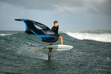 Naish S26 wing and hoverfoil